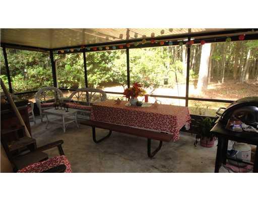 Photo of home for sale at 20 Bristlecone Dr, Savannah GA