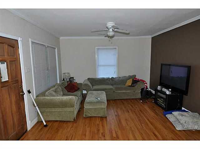 Photo of home for sale at 1279 Wylie St, Atlanta GA